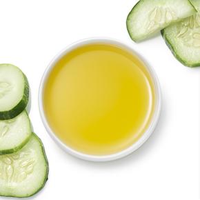Olje semen kumare za nego kože s pomlajevalnim delovanjem.